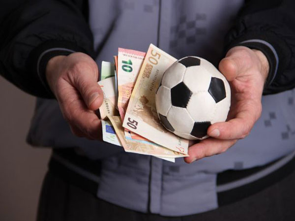 Soi kèo trước khi đặt cược - Cách chơi cá cược bóng đá hiệu quả