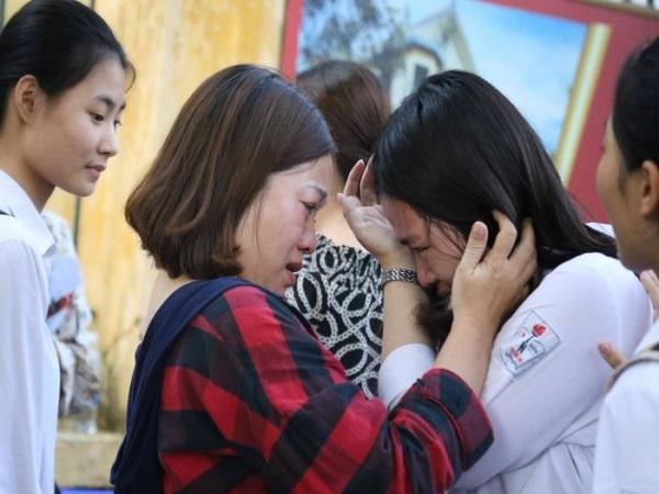 Nằm mơ thấy người khác khóc có điềm báo gì? đánh số nào?
