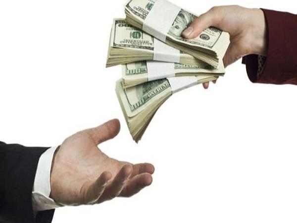 Nằm mơ thấy người ta đưa tiền có điềm báo gì?